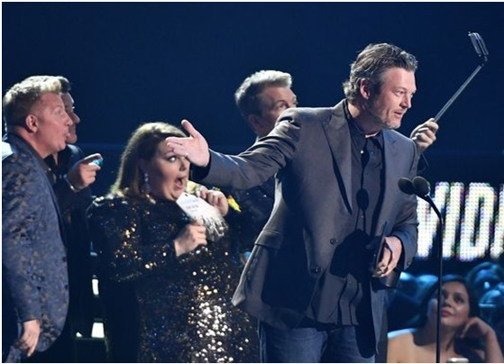 Blake Shelton, Who Won 2018 CMT Video of the Year and Male Video of Year Award