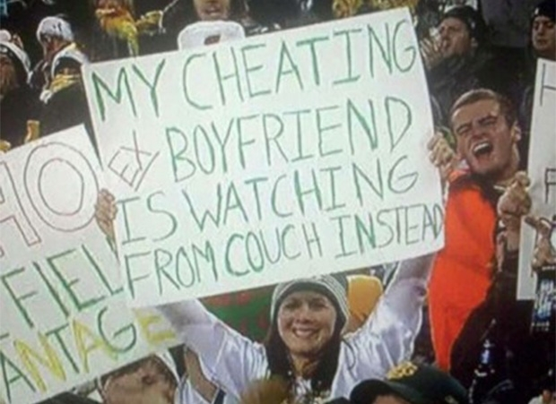 The Girl Dumped Her Cheating Ex by Visiting in the Stadium to His Ex's Favorite Teams Play Sport